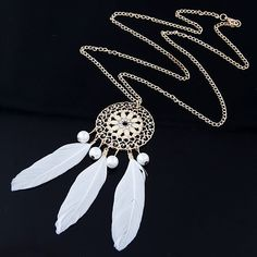 2017 Fashion Long Feather Necklace for Women Jewelry Vintage Carved Flower Statement Necklaces & Pendants Collares Collier Femme
