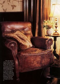 Vintage leather chair from Practical Magic Living Room Cuir Vintage, Vintage Leather, Distressed Leather, Brown Leather, Classic Leather, Soft Leather, Practical Magic House, Victoria Magazine, Leather Club Chairs