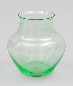 Botterweg Auctions Amsterdam > Annagroen glazen vaasje, ontwerp A.D.Copier 1923, uitvoering Glasfabriek Leerdam