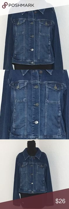 "Women's Kansas City Lee Jean Jacket Dark Wash XL Women's Kansas City Lee jean jacket dark wash. Size XL 23"" armpit to armpit, 20"" shoulder to hem, 25.5"" sleeve. Excellent condition no flaws Lee Jackets & Coats Jean Jackets"