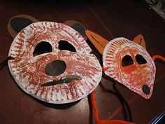 made with paper plates instructions at http://www.naturallyeducational.com/2011/07/woodland-animal-masks/