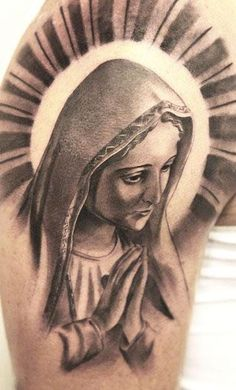 Realistic black and gray Virgin mary tattoo art by artist Miguel Bohigues Virgen Maria Tattoo, Tattoo Virgen, Tattoo Maria, Filipino Tribal Tattoos, Tribal Tattoos For Men, Christ Tattoo, Jesus Tattoo, Traditional Filipino Tattoo, Mother Mary Tattoos