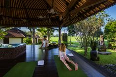 Bali with Kids - Hot Yoga in Bali at the Chedi Club Bali Travel, Hawaii Travel, Thailand Travel, Las Vegas Airport, Las Vegas Hotels, Bali With Kids, Travel With Kids, Bali Yoga, Four Seasons Hotel