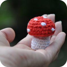 Grietjekarwietje: Haakpatroon: Klein paddestoeltje / Free pattern: Little mushroom