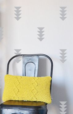 Quadruple Triangles WALL DECAL von TheLovelyWall auf Etsy