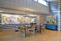Srub u jezera manželé propojili s moderním proskleným objektem – Novinky. Jezera, Conference Room, Divider, Outdoor Decor, Table, Ceramics, Furniture, Kitchen, Home Decor
