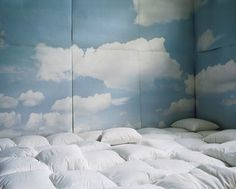 be nice if I could get some wall paper with clouds on it, so nice and calming :)