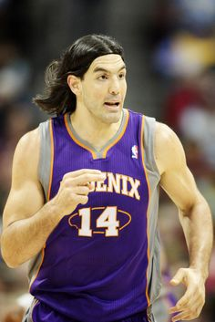 Suns send Luis Scola to Pacers