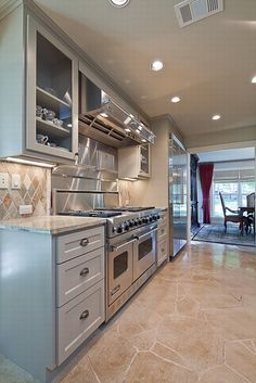 Modern take on a galley kitchen, love the Viking stove. Viking Stove, Viking Appliances, Appliance Repair, Cool Kitchens, Vikings, Kitchen Cabinets, Future, Cool Stuff, Modern
