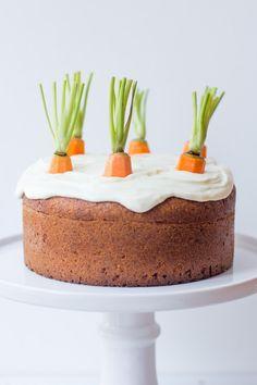Karottenkuchen/Möhrenkuchen mit Frischkäsefrosting