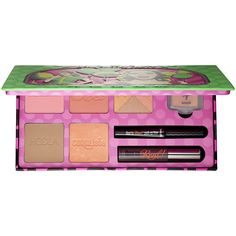 SEPHORA COLLECTION Real Cheeky Party Blushing Beauty Kit - A limited-edition set with Benefit's five iconic box o' powder blushes, bestselling mascara and liner, and the coveted cream-to-powder highlighter. Cosmetics News, Benefit Cosmetics, Luxury Cosmetics, Makeup Cosmetics, Beauty Kit, Beauty Products, Makeup Products, Palette, Christmas Makeup