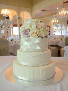 Vanilla pod wedding cake