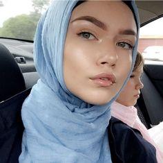 Dewy Makeup Look, Natural Makeup, Makeup Looks, Natural Beauty, Beautiful Muslim Women, Beautiful Hijab, Arab Girls, Muslim Girls, Turban