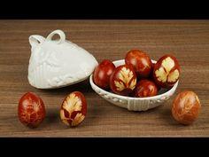 Πασχαλινά κόκκινα αυγά βαμμένα με φλούδες κρεμμυδιών και σχήματα από φύλλα - YouTube Sweets Recipes, Greek Recipes, Onion, Vegetables, Easter Ideas, Food, Youtube, English, Onions