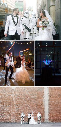 Vai casar? Vocês são geeks? Então está no lugar certo! Clique aqui e confira vários casamentos geek super criativos para você ter algumas ideias.