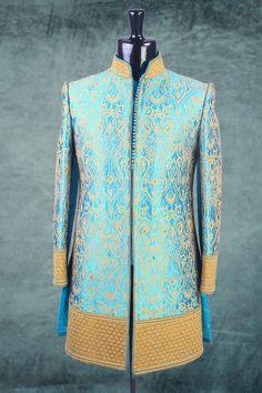 pinterest @nivetas Sherwani Groom, Wedding Sherwani, Punjabi Wedding, Indian Groom Wear, Indian Wear, Arab Men Fashion, Groom Fashion, Mens Fashion, Wedding Dresses Men Indian