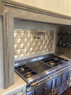 Tabarka L'est Collection Wows behind a dramatic range! Tiles provided by Stafford Tile & Stone