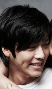 Hyeon Bin (현빈, Korean actor) @ HanCinema :: The Korean Movie and Drama Database, discover the South Korean cinema and drama diversity