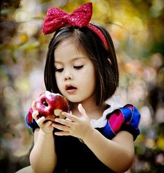 OMG! If I had a lil girl....this is what she would look like! Sooo precious!