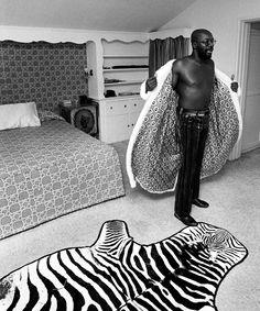 john-hamilton-old-hollywood-exhibition-ss11.jpg ISAAC HAYES 1971