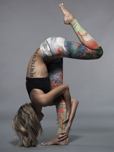 Love this yoga pose hold. Love these yoga pants.