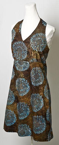 Flower Fest Dress Designer Pattern: Robert Kaufman Fabric Company