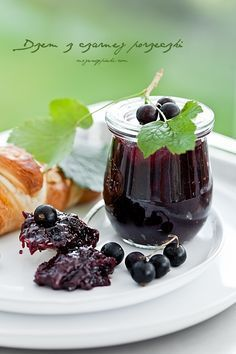 Moje Wypieki | Dżem z czarnej porzeczki Jam Recipes, Keto Recipes, Blackcurrant Jam Recipe, Jelly Cupboard, Sweet Jars, Jam And Jelly, Polish Recipes, Keto Diet For Beginners, Trifle