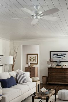 Featuring Clean Lines And A Slim Housing Profile The 52 Designer Max Ceiling Fan Living Room