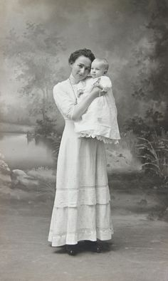 +~+~ Antique Photograph ~+~+  Tender portrait of mother and baby