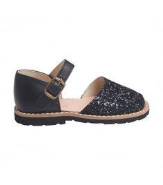 Sandales enfant à paillettes noire Minorquines chez Princesse-ilou.com