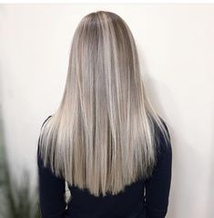 How To Cut Blunt Ends ~ yunusss Blonde Hair Shades, Blonde Hair Looks, Dyed Blonde Hair, Blonde Hair With Highlights, Platinum Blonde Hair, Boys Dyed Hair, Short Dyed Hair, Pretty Hair Color, Hair Color Pink