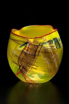 Artist: Dale Chihuly.
