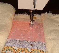 Free Motion Machine Quilting Tutorial             Do I dare try it?  :o)