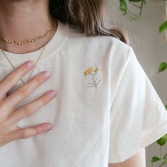 hand embroidered dandelion t-shirt — bestdressed Diy Embroidery Shirt, Embroidery On Clothes, Simple Embroidery, Embroidered Clothes, Hand Embroidery Designs, Embroidery Art, Embroidery Stitches, Embroidery Patterns, Broderie Anglaise Fabric