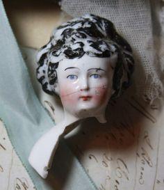 Porcelain Doll Makeup, Porcelain Dolls Value, Porcelain Dolls For Sale, Porcelain Jewelry, Porcelain Vase, Fine Porcelain, Japanese Porcelain, Doll Head, Doll Face