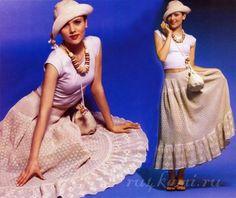 Юбка крючком, филейное вязание   Красивая вязаная юбка крючком выполненная в технике филейного вязания. Эта интересная юбка очарует окружающих своей женственностью и изысканностью. Она не будет сковывать движений и станет прекрасной находкой для жаркого дня.