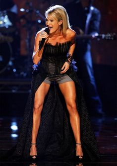 Carrie Underwood leg workout