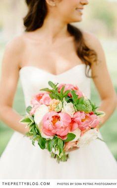 spring bouquet   Photographer: Sera Petras   Flowers: Beehive Events