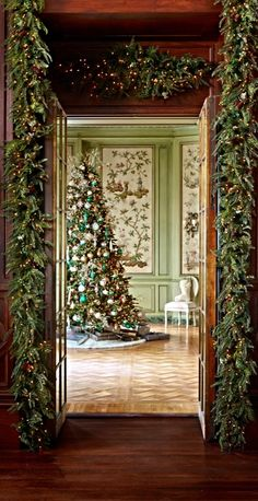 Our Amberly Manor Greenery Collection is so lush and lifelike, it might fool a florist.