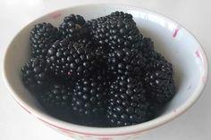 Chec cu fructe de pădure și lămâie, rețetă simplă de vară | Laura Laurențiu Fruit, Cooking, Desserts, Food, Kitchen, Tailgate Desserts, Deserts, Essen, Postres