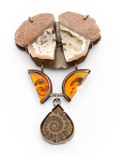 Amber in Contemporary Art Jewellery. © By the author. Read Klimt02.net Copyright .