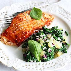 Salmon with sauce honey-soy with the addition of sesame Sauce For Salmon, Salmon Burgers, Risotto, Menu, Chicken, Ethnic Recipes, Honey, Diet, Menu Board Design