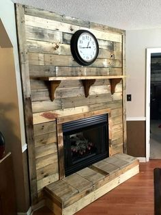 Check this out the DIY pallet fireplace, a newer super cost efficient way to bring coziness and warmth to your interior home spaces! This pallet fireplace Diy Pallet Wall, Pallet Walls, Wooden Pallet Furniture, Diy Pallet Projects, Wooden Pallets, Pallet Ideas, Pallet Wood, Pallet Ceiling, Pallet Designs