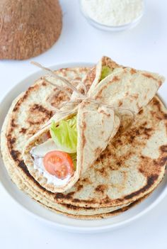 Coconut flour flatbread are keto tortilla with no eggs meaning they are vegan, gluten-free tortillas too! Only 2 g net carbs, soft, easy 4 ingredients. Coconut Flour Tortillas, Tortillas Veganas, Coconut Flour Bread, Coconut Flour Recipes, Low Carb Tortillas, Almond Flour, Coconut Oil, Vegan Keto, Vegetarian Keto