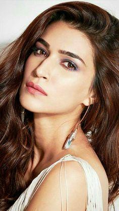 Bollywood Images, Bollywood Actress Hot Photos, Indian Bollywood Actress, Indian Actress Hot Pics, Bollywood Girls, Beautiful Bollywood Actress, Most Beautiful Indian Actress, Beautiful Actresses, Indian Celebrities
