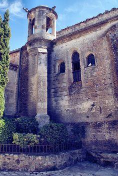La Lanterne des Morts ~ Les-Baux-de-Provence, Bouches-du-Rhône, By . SantiMB