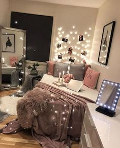 Awesome Teen Girl Bedroom Ideas That Will Blow Your Mind teen bedroom design., Awesome Teen Girl Bedroom Ideas That Will Blow Your Mind teen bedroom designs, girl bedroom ideas, teenager bedroom ideas, pink bedroom. Teen Bedroom Designs, Room Ideas Bedroom, Small Room Bedroom, Modern Bedroom, Bedroom Art, Bedroom Furniture, Furniture Ideas, Cozy Bedroom, Bedroom Vintage