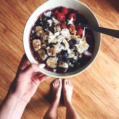 Self-proclaimed Acai bowl addict @paytonsartain shared her recipe for what she dubs The Best Acai Bowl Recipe Ever.