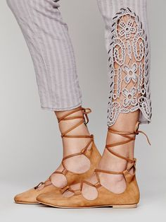 Put your fashionable foot forward with Free People shoes that are perfect for every occasion. Shop Free People shoes online and stay on trend year-round. Fashion Details, Diy Fashion, Sock Shoes, Shoe Boots, Mein Style, Altered Couture, Diy Clothing, Vegan Clothing, Refashion