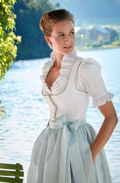 Susanne Spatt Dirndl detail (the blouse only comes to below the bust to eliminate bulk under the form-fitting bodice. Drindl Dress, The Dress, Dress Outfits, Cute Outfits, Fashion Outfits, Folk Fashion, Cute Fashion, Vintage Fashion, Traditional Dresses